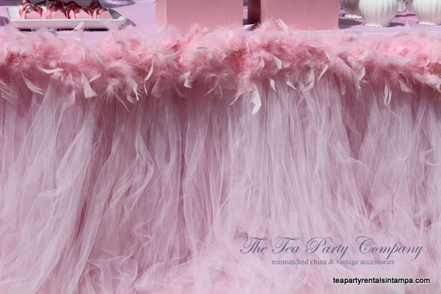 Tutu pink tulle table skirt,pink feathers