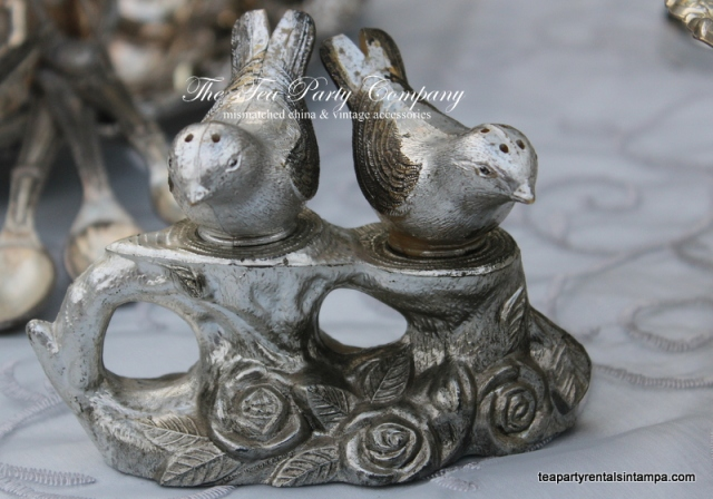 Salt and pepper Sshaker silver color, birds motif