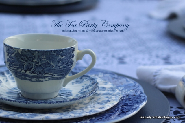 teacup,saucer, salad plate & dinner plate mismatching blue toile china,blue charger